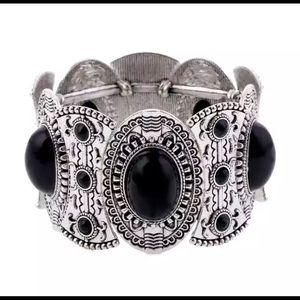 Jewelry - Chunky Boho Bracelet Silver Tone New